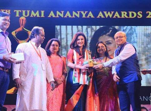 Jaya Ahsan Wins Kolkata's 'Tumi Ananya' Award