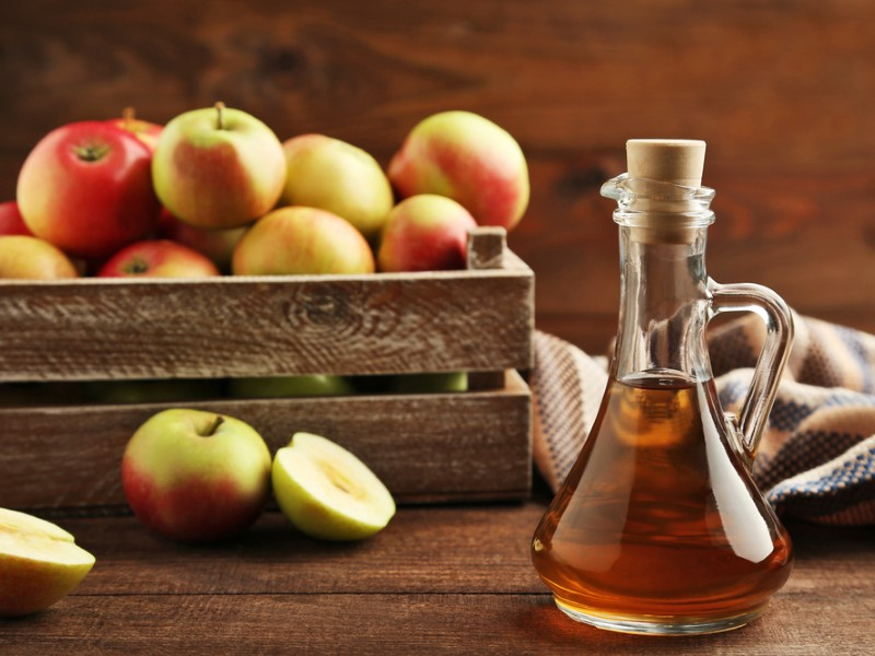 Use Apple Cider Vinegar to remove face warts