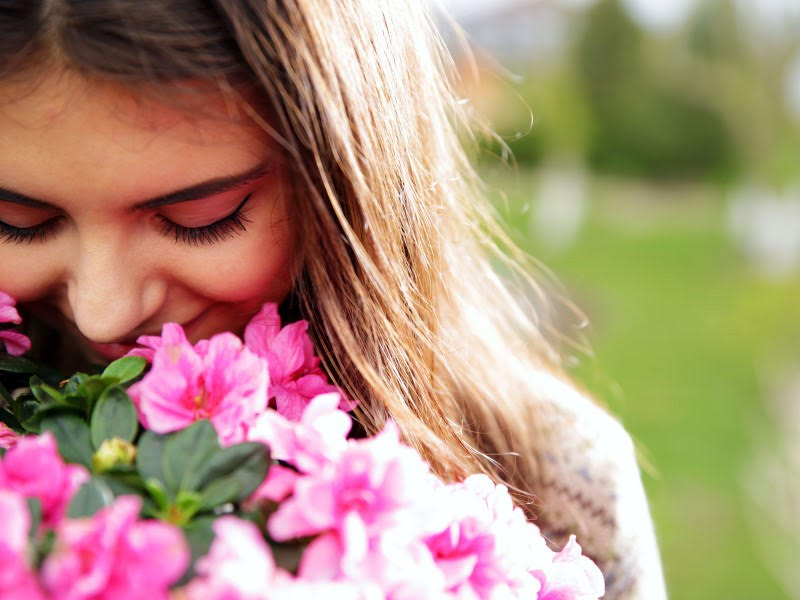 Uses of flowers in skincare and beauty treatment