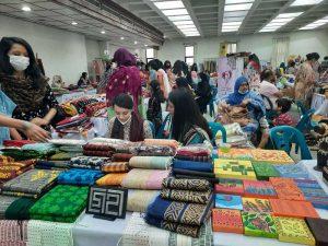 https://www.myntra.com/women-kurtas-kurtis-suits