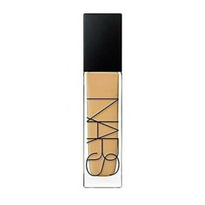 https://www.makeup.com/en-ca/product-and-reviews/all-products-and-reviews/best-foundations-for-summer