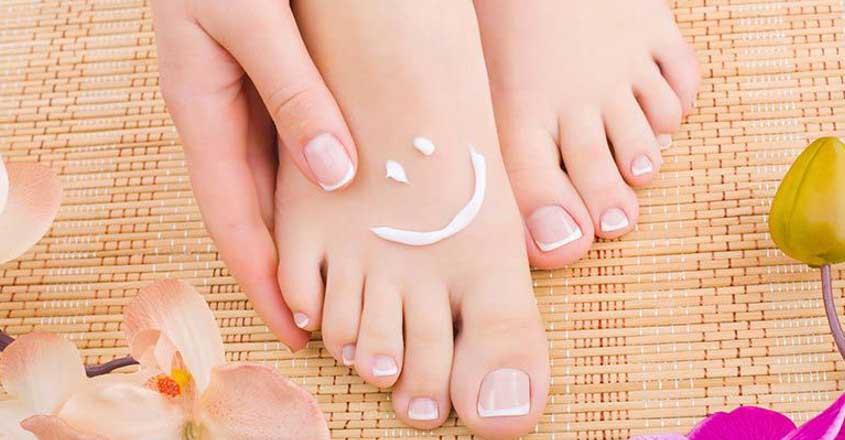 How to avoid toenail fungus during summer